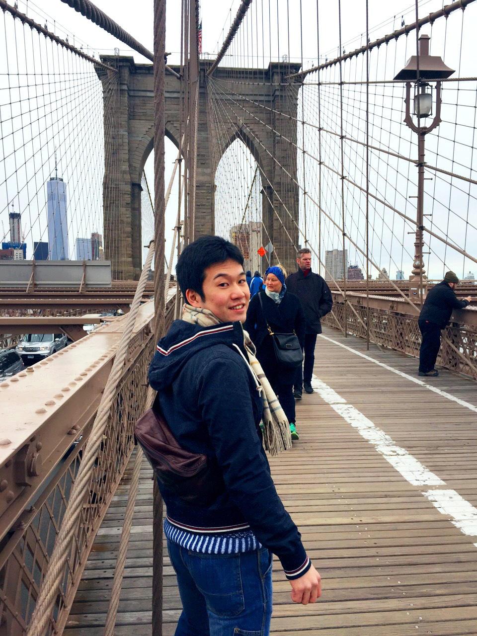 ブルックリン橋にて